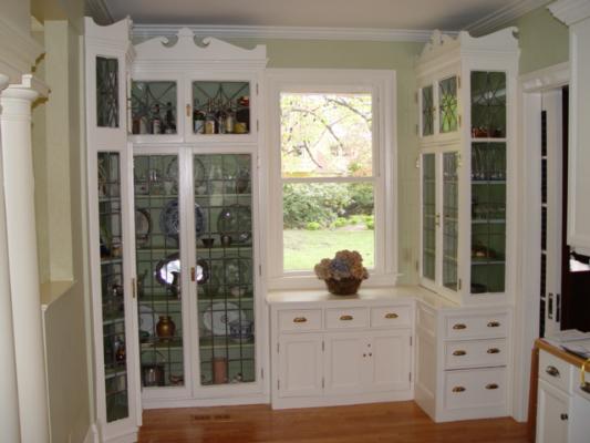 built-ins-swampscott-leaded-glass