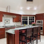 hamilton-custom-kitchen-island-with-columns