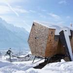 strange-tiny house in Winter16